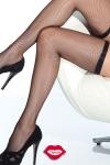 Bas résille très élégants avec leur jarretière fine et élastique qui ceinture vos cuisses.
