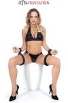 2 paires de menottes souples cuisses et poignets pour obliger votre soumis(e) � rester en position de soumission extr�me.