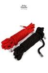 2 cordes de bondage en satin de 5 mètres de long pour vos jeux de bondage sensuels.