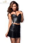 Jupe courte faux cuir avec incrustations tress�es, et zip int�gral devant et derri�re.