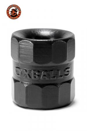 Le premier Ballstrecher créé par Oxballs remis au goût du jour avec leurs standards actuels de qualité. 100% silicone Platinum.