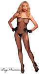 Combinaison r�sille � fines bretelles, ouverte d'un ovale sur l'entre-jambes et les deux hanches.