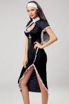 Vous aimez braver les tabous? cette robe longue ultra sexy de religieuse et ses accessoires sont faits pour vous !