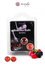 2 Brazilian Balls - baies rouges - La chaleur du corps transforme la brazilian ball en liquide glissant au parfum de baies rouges, votre imagination s'en trouve exacerbée.