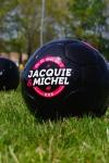 V�ritable ballon de football Jacquie & Michel en s�rie limit�e.