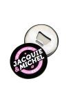 A la fois un objet d�co aimant� aux couleurs de Jacquie & Michel d'un c�t� et un d�capsuleur magn�tique de l'autre.