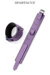 Paire de menottes de chevilles en cuir violet de la gamme Crave Line - by Spartacus.