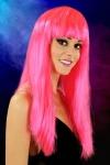 Perruque fantaisie avec cheveux longs couleur Fuchsia.