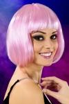 Perruque fantaisie avec cheveux courts couleur rose, marque Cabaret Wigs.