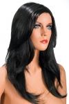 Perruque brune aux cheveux longs ayants un aspect naturel. Elle tombe � merveille sur les �paules.
