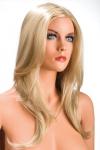 Perruque blonde aux cheveux longs ayants un aspect naturel. Elle tombe � merveille sur les �paules.