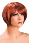 Perruque rousse aux cheveux courts en carr� avec m�che ayant un aspect actuel.