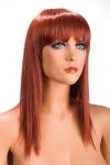 Perruque rousse longue et � frange effil�e pour changer de look.