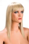Perruque blonde longue et � frange effil�e pour changer de look.