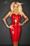 Robe en vinyle rouge, avec une fermeture lac�e style corset sur toute la hauteur de la fente arri�re.
