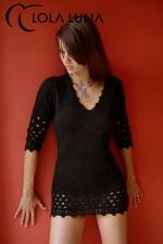 Robe Lana - Petite robe noire en lainage doux et sensuel: qui a dit que les frileuses ne peuvent pas être sexy ?