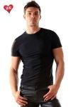 Tee-shirt en lycra moulant et tr�s doux, il sculpte votre torse de mani�re irr�sistible.