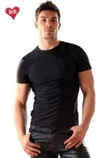Tee Shirt lycra Stud - Tee-shirt en lycra moulant et très doux, il sculpte votre torse de manière irrésistible.